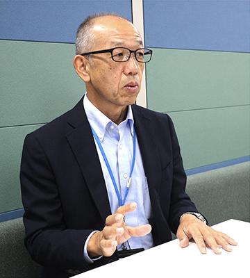日経ビジネスでSpecial Talkのインタビュアーとして参加していた桔梗原さん。