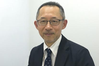 日経BP総研では、プロジェクトを進める旗振り役を担っていますと、安達所長。
