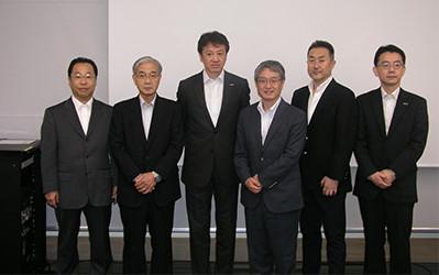 日本マイクロソフト、ブロードバンドタワーとの三者合同記者会見
