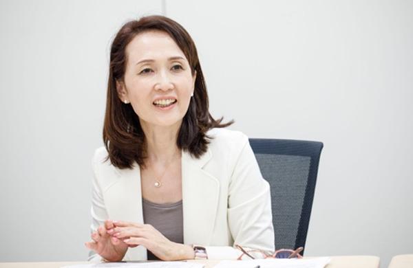 平尾佳淑氏